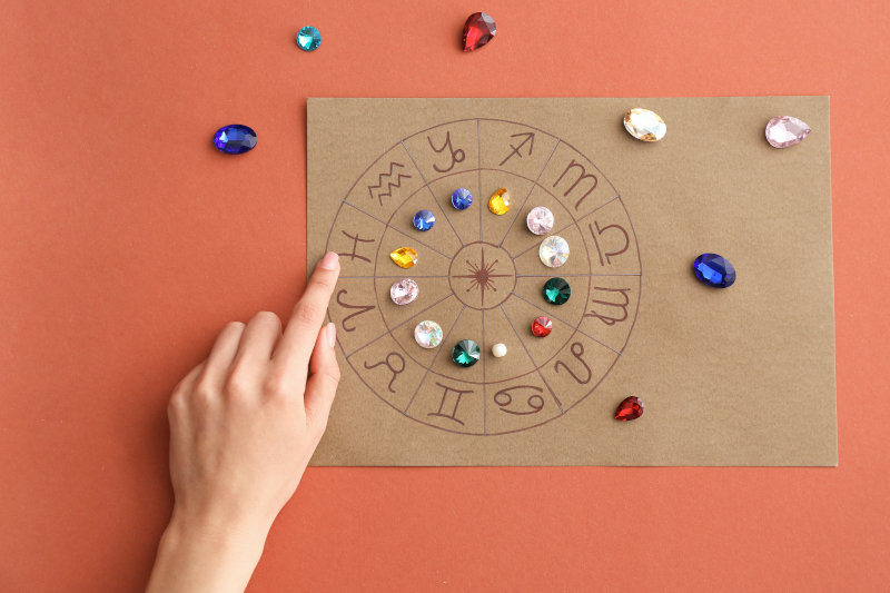 Pietre e segni zodiacali - Oroscopo astrologico con pietre portafortuna