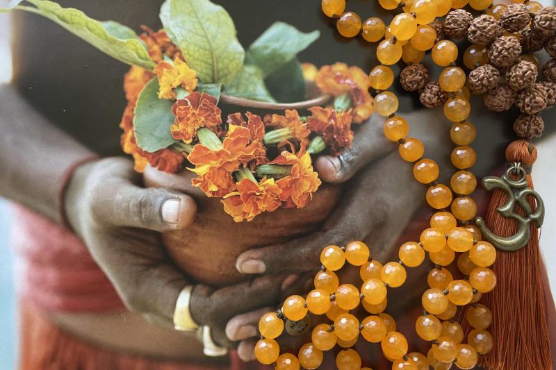Mala in giada arancio e rudraksha
